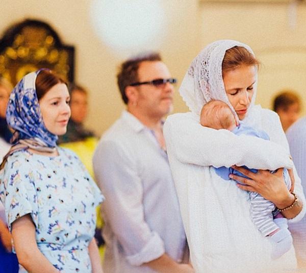Наталья Подольская и Владимир Пресняков на крестинах сына Ивана