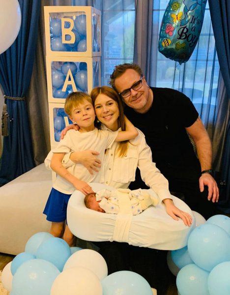 Владимир Пресняков и Наталья Подольская с сыновьями