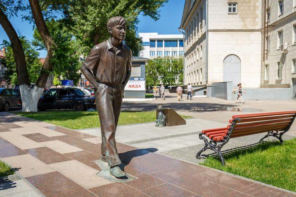 Памятник Олегу Табакову.