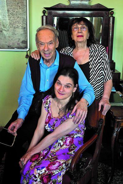Алексей Баталов с женой и дочерью