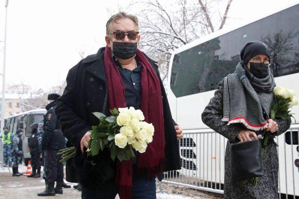 Станислав Садальский на прощании с Гафтом