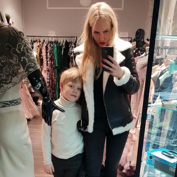 Малиновская с сыном Мироном