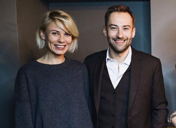 Екатерина Тулупова и Дмитрий Шепелев улыбаются