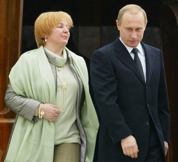 Владимир Путин с бывшей женой Людмилой.
