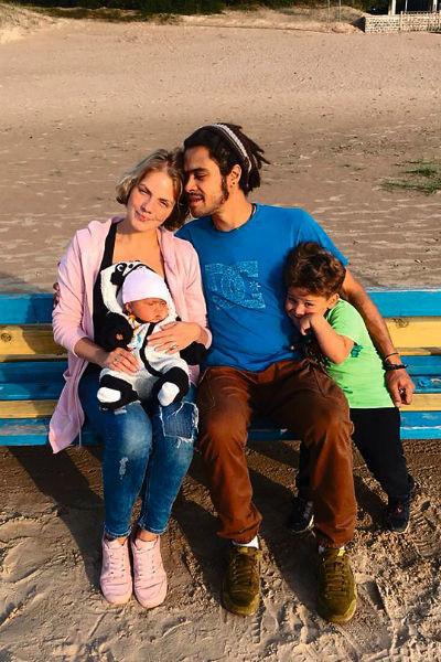 Сын Ирины Понаровской с семьёй