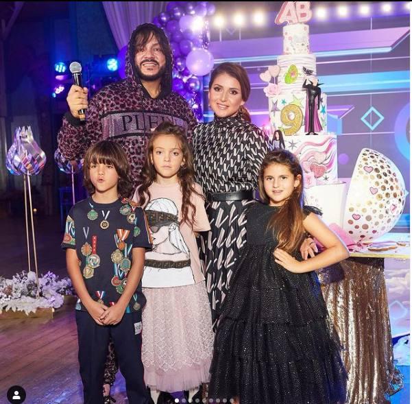 Филипп Киркоров и Жасмин с детьми