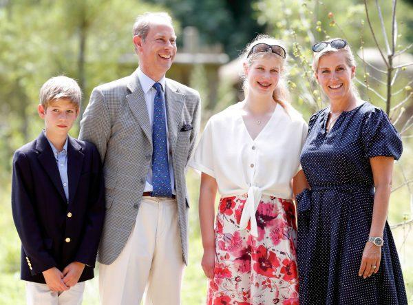 Принц Эдвард с женой и детьми