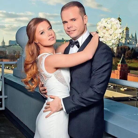 Юлия Савичева и Александр Аршинов на свадьбе