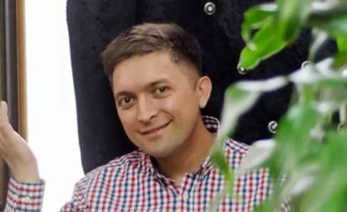 Продюсера дома тиктокеров обвинили в домогательствах  к парням-блогерам