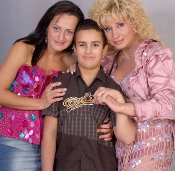 Ирина Аллегрова с дочкой и внуком