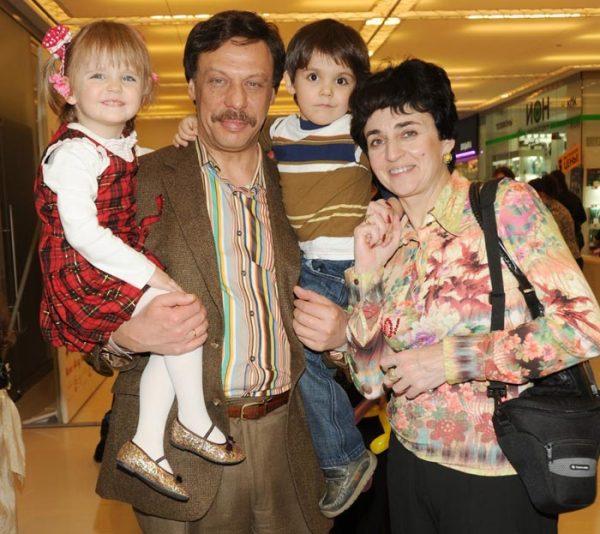 Михаил Барщевский с семьей
