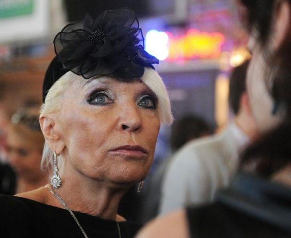 Светлана Светличная в шляпке
