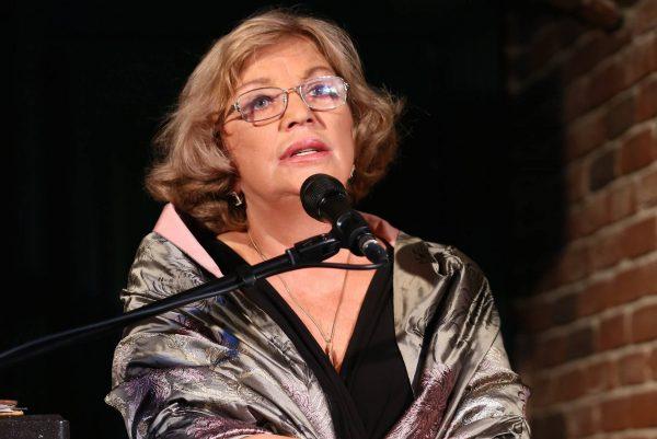 Ольга Остроумова читает монолог