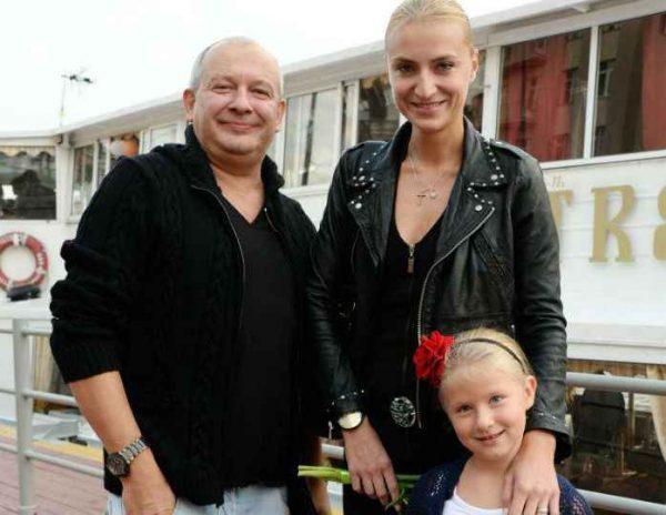Дмитрий Марьянов с женой