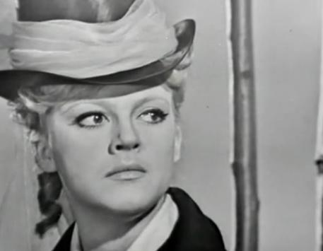 Наталья Дрожжина в шляпе