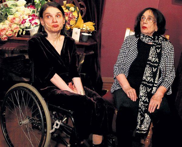 Гитана Леоненко с дочкой