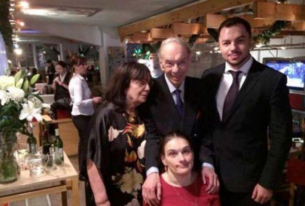 Алексей Баталов с семьей