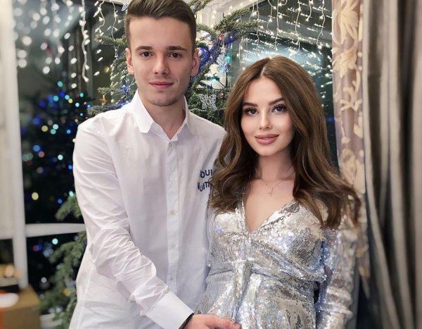 Арсений Шульгин с беременной женой