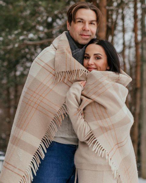 Немного нестыковки - у Андрея в Инстаграм полно нежных фото с женой