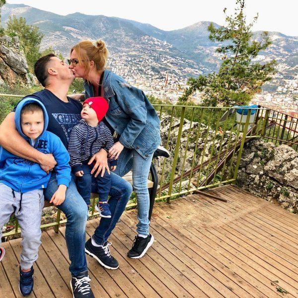 Дарья Пынзарь с семьёй