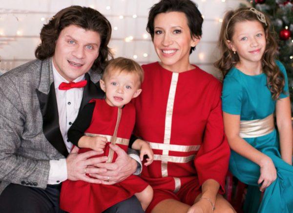 Елена Борщева с супругом и детьми