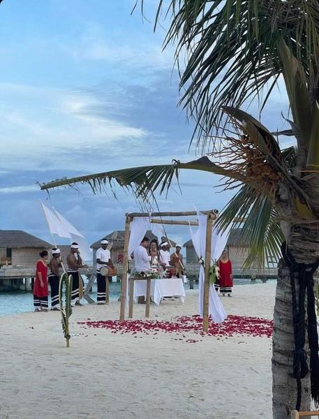 Свадьба Ольги Бузовой и Давида Манукяна на Мальдивах.