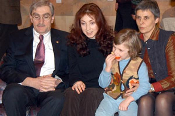 Анна с папой и Асмито