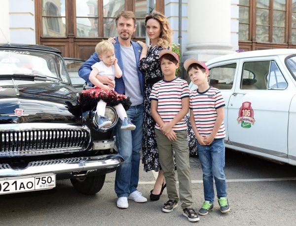 Игорь Петренко, Кристина Бродская, смешанная детвора