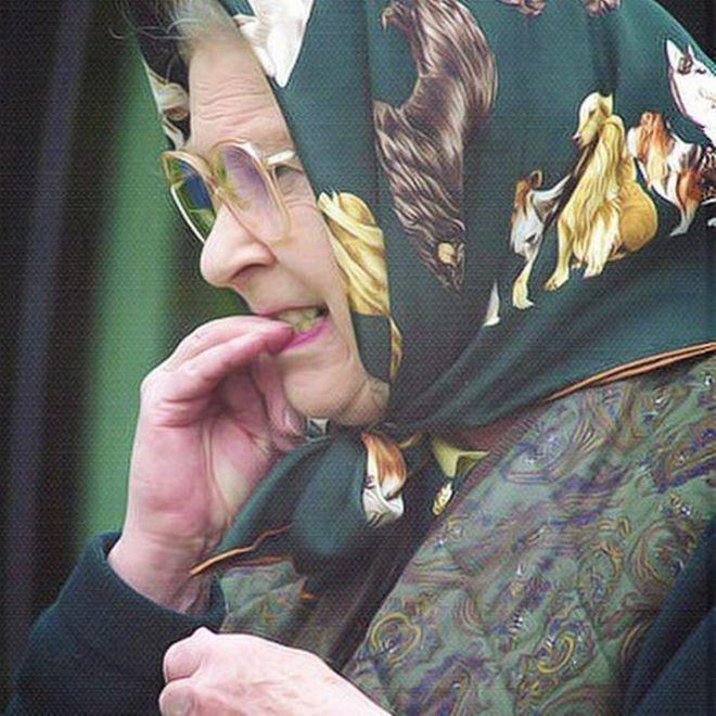 Самые смешные и эмоциональные фото 94-летней английской королевы Елизаветы II - забавная старушка