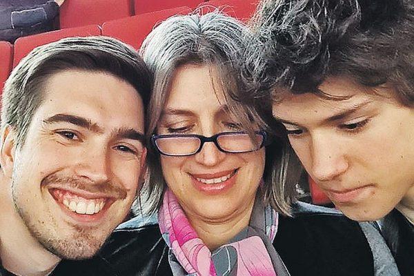 Лилиана Гасинская с сыновьями