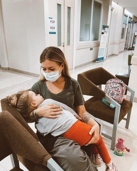 Рита Дакота с дочкой