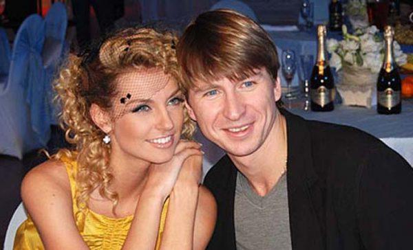 Алексей Ягудин и Саша Савельева.