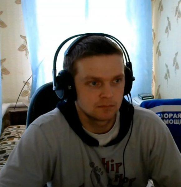Александр Нижегородцев за компьютером