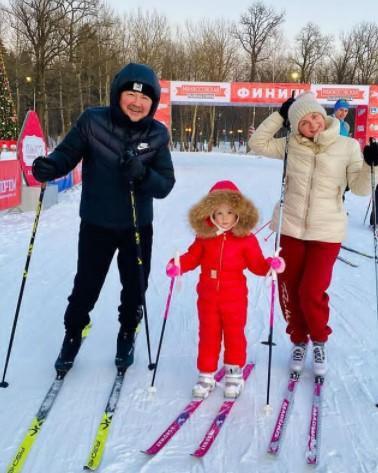 Игорь Николаев вместе с семьёй решили покинуть Россию
