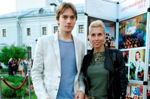 Алена Свиридова со страшим сыном