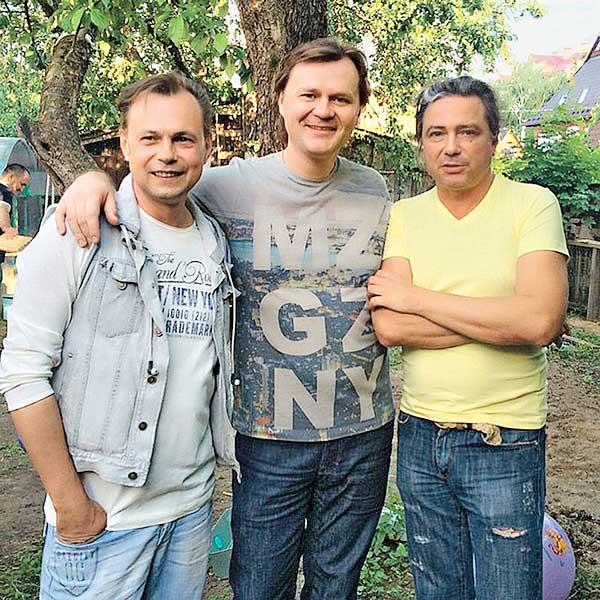 Владимир Асимов с друзьями
