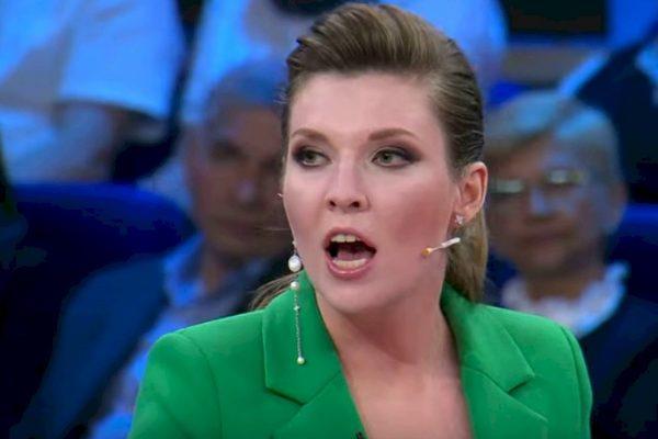 Ольга Скабеева с открытым ртом