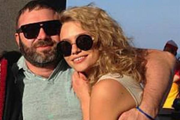 Михаил Киперман с молодой женой