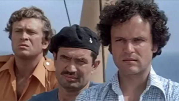"""Кадр из фильма """"Пираты ХХ века"""""""