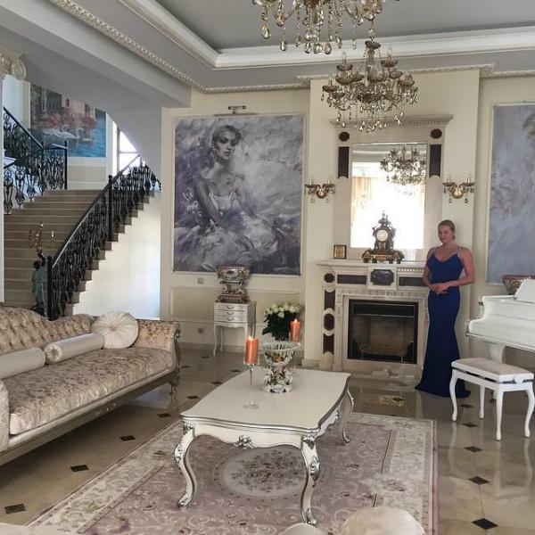 Волочкова в своём доме
