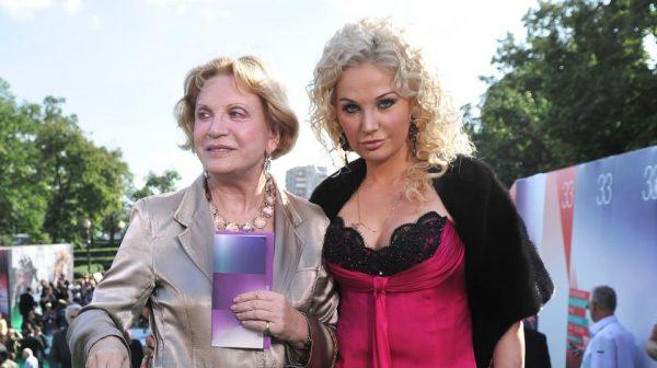 Людмила и Мария Максаковы