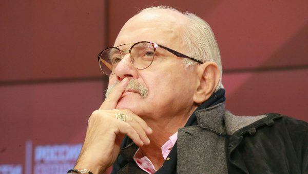 Такие деньги большинство россиян даже в руках не держали: Михалков раскрыл гонорары «страдающих от режима Путина» актеров - Деревянко, Бортич и остальных