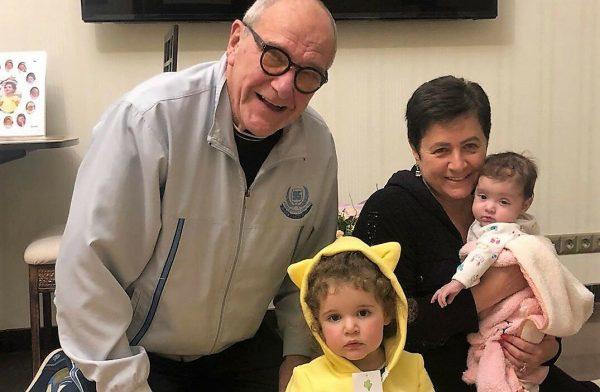 Эммануил Виторган с семьей