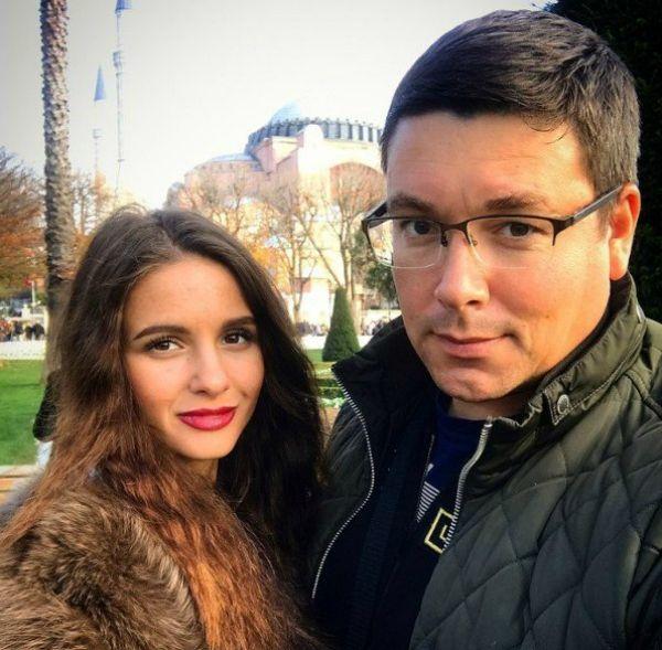Андрей Чуев заподозрил молодую супругу в проведении ЭКО и измене с лучшим другом