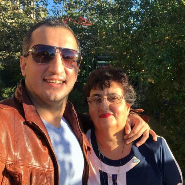 Арарат Кещян с мамой
