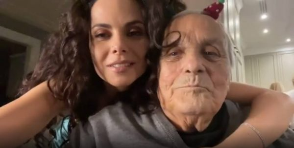 Настя Каменских с покойным отцом во время встречи 2021 года