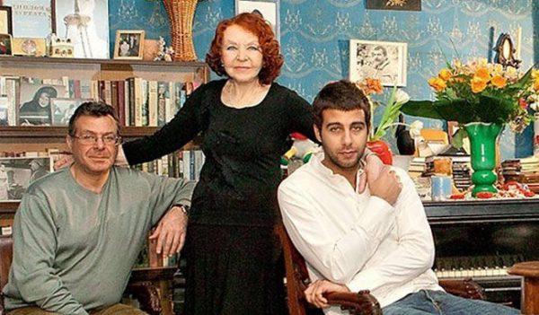 Нина Ургант с сыном Андреем и внуком Иваном
