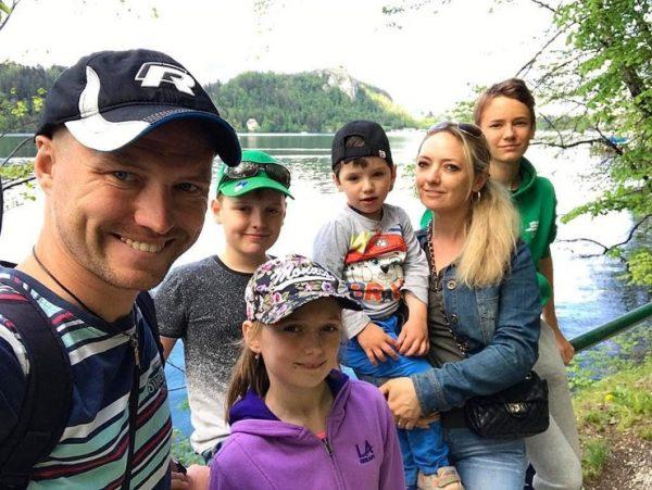 Светлана и Роман с детьми