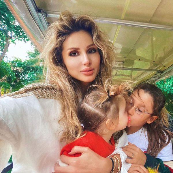 Светлана Лобода с дочками Евой и Тильдой