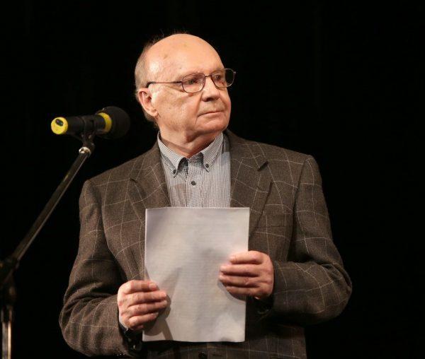 Андрей Мягков.